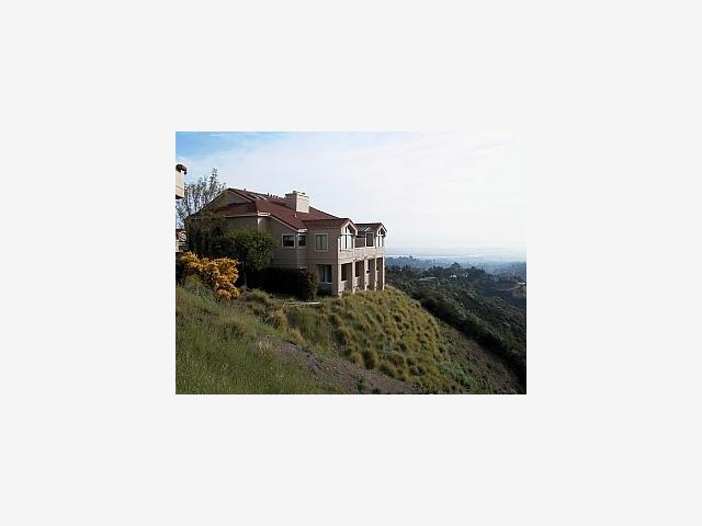 2 Geranium Ln, San Carlos CA 94070