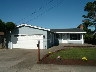 431 Spruce St, Half Moon Bay CA 94019