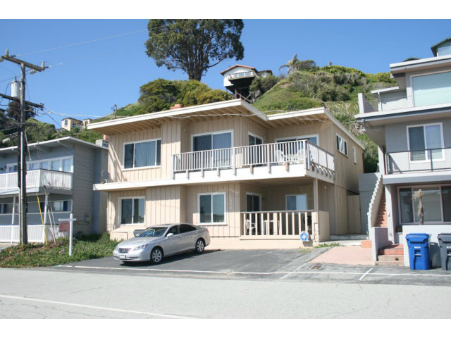 625 Beach Dr, Aptos, CA 95003