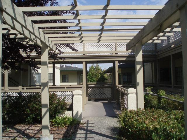 521 Pheasant Ridge Rd, Del Rey Oaks, CA 93940