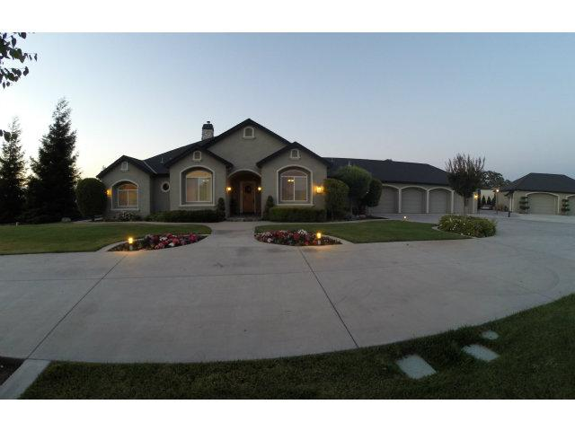 660 Five Oaks Ct, Hollister, CA 95023
