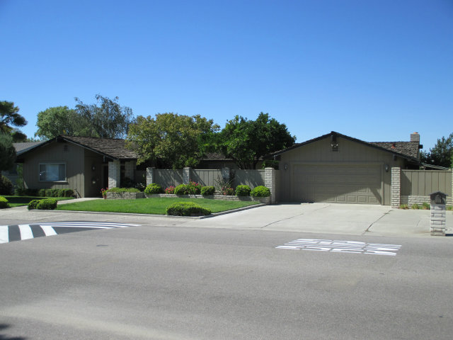 231 Donald Dr, Hollister, CA 95023