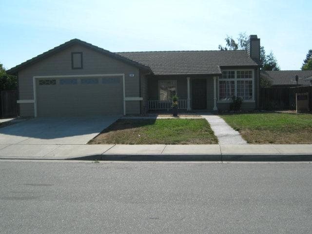 840 Paseo Dr, Hollister, CA 95023