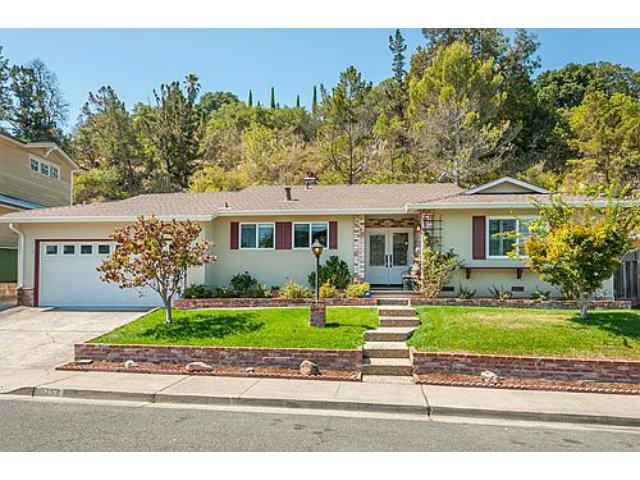 2753 Bromley Dr, San Carlos, CA 94070