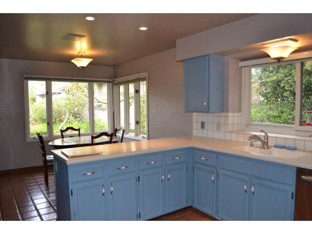 119 White Oaks Ln, Carmel Valley, CA 93924