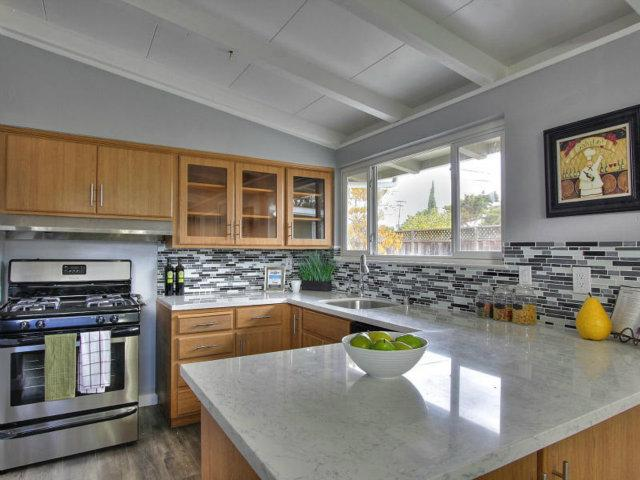 761 Lakeknoll Dr, Sunnyvale, CA 94089
