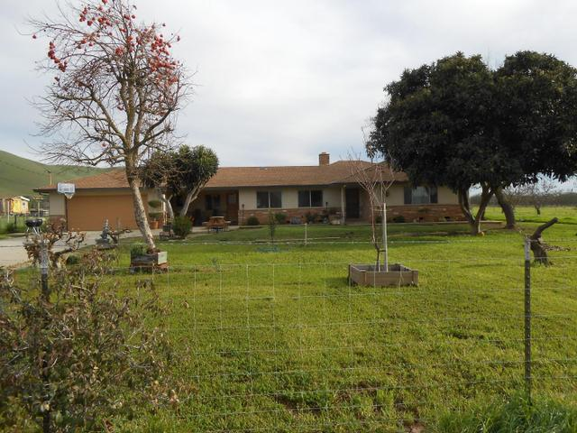 1471 Orchard Rd, Hollister, CA 95023