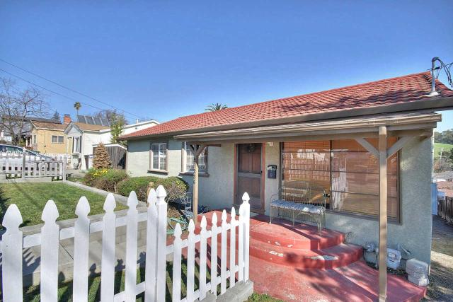 17236 President Dr, Castro Valley, CA 94546