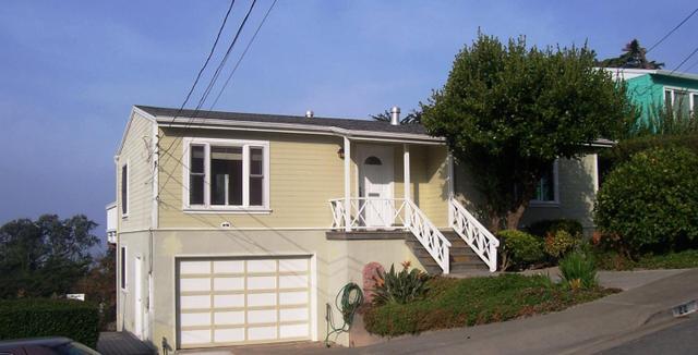 22 Cragmont Ct, Pacifica, CA 94044