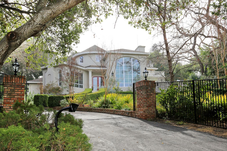 10580 Berkshire Dr, Los Altos Hills, CA 94024