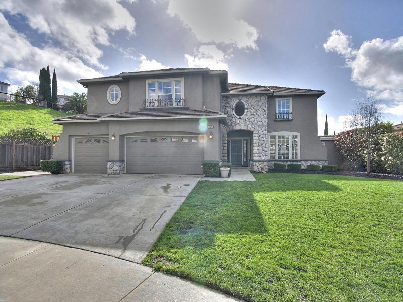 6352 Running Springs Road, San Jose, CA 95135