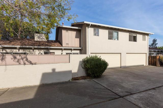 3887 Middlefield Rd, Palo Alto, CA 94303