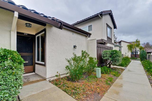 21997 Mcclellan Rd, Cupertino, CA 95014