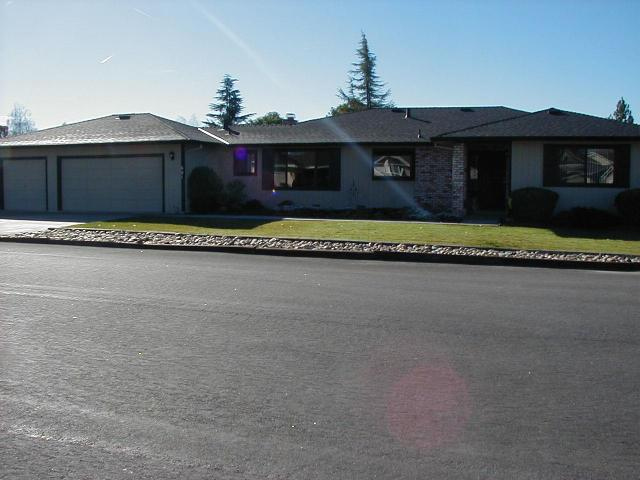 681 Ridgemark Dr, Hollister, CA 95023