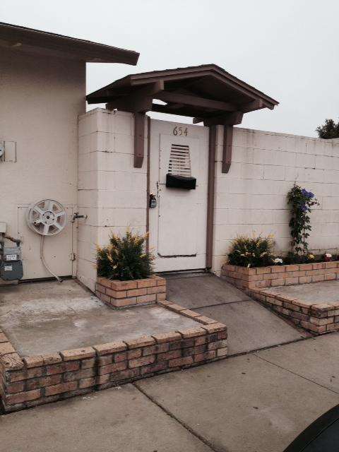 654 Calaveras Dr, Salinas, CA 93906
