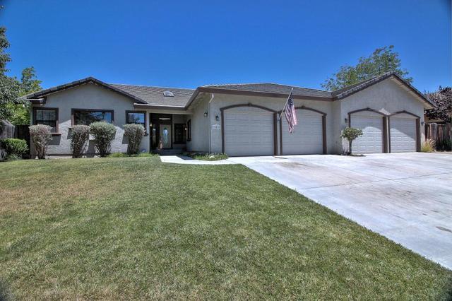 805 Oak Ridge Dr, Hollister, CA 95023