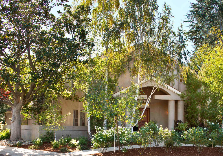 725 Center Dr, Palo Alto, CA