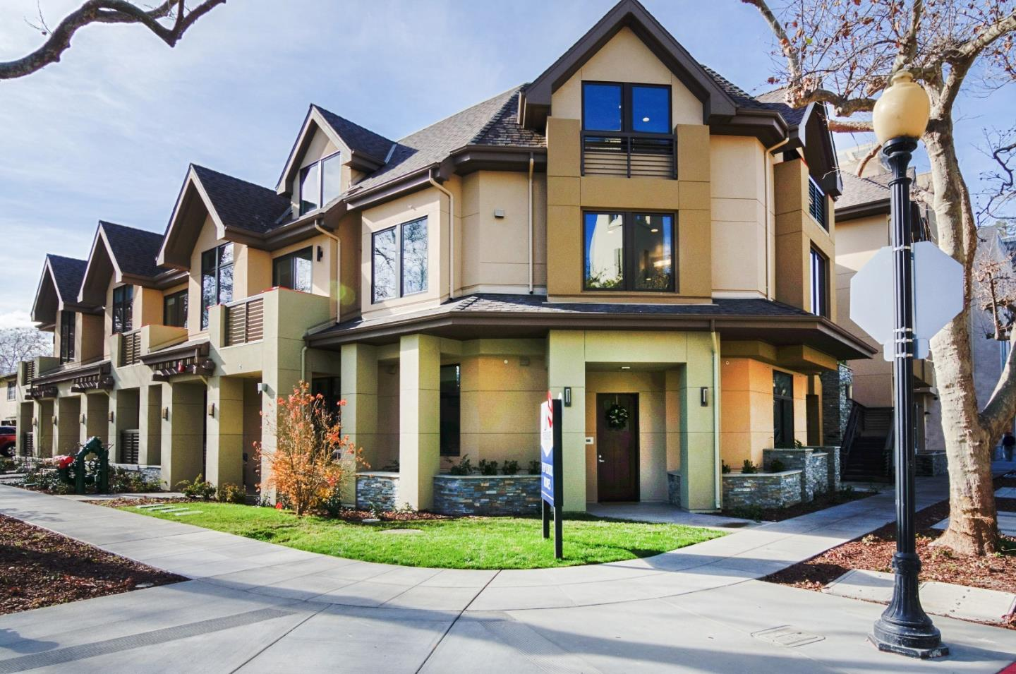 628 Hope St, Mountain View, CA