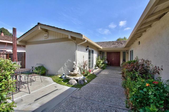 1109 Woodside Cir, Salinas CA 93901