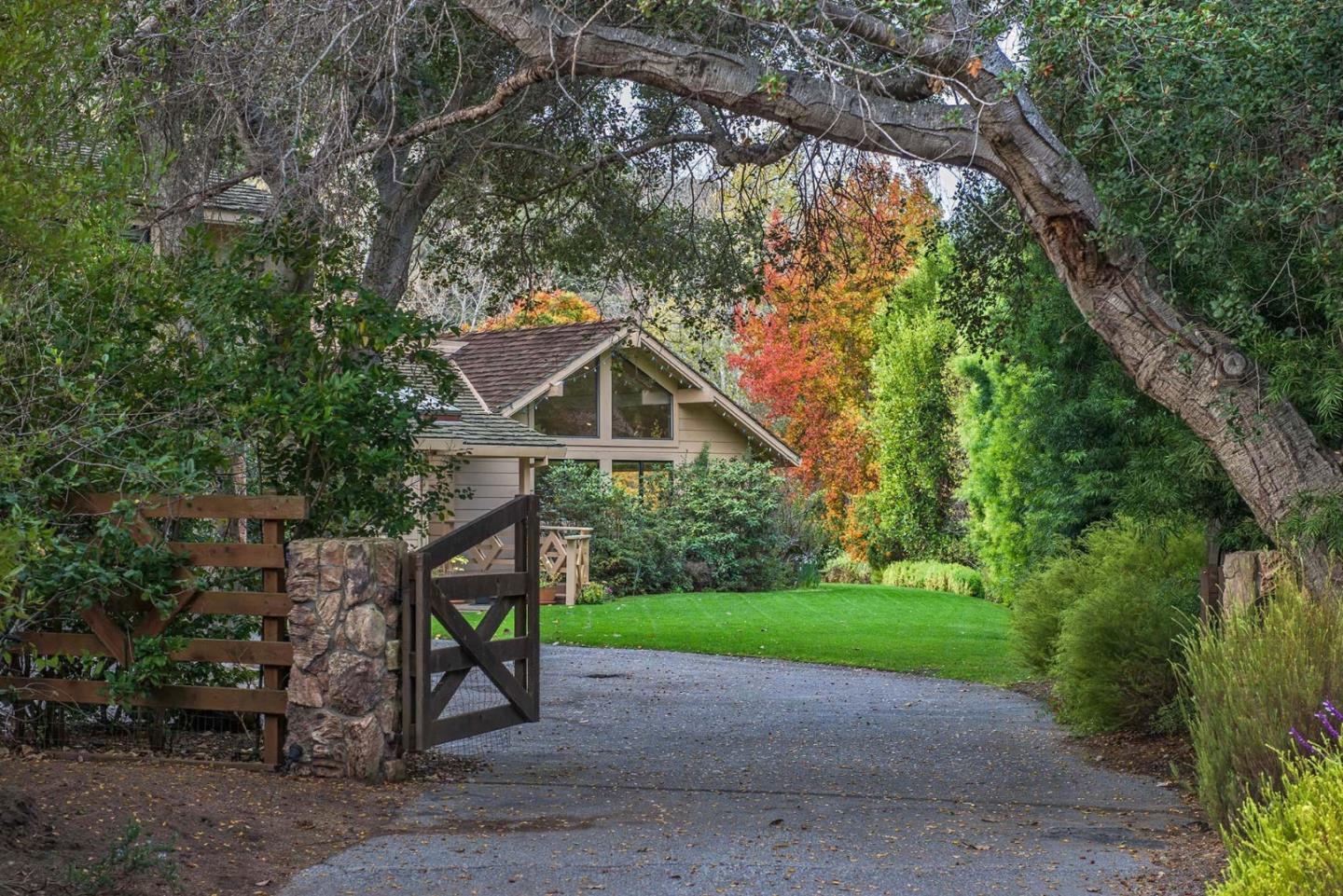 27215 Meadows Rd, Carmel, CA