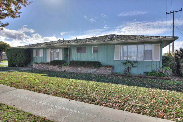 709 College Dr, Salinas CA 93901