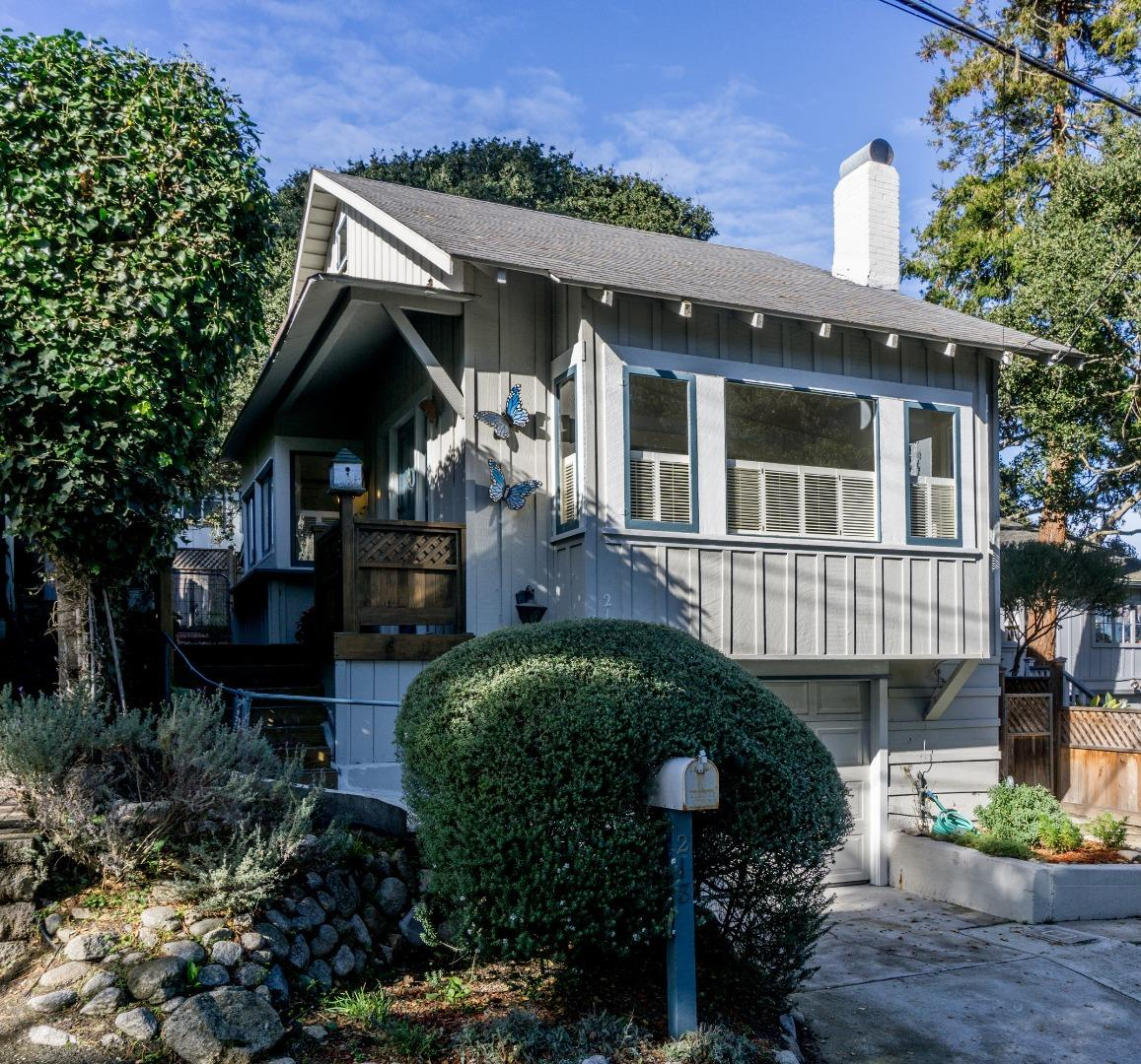218 Chestnut St, Pacific Grove, CA