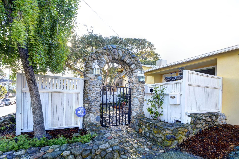 879 Pine St, Monterey, CA