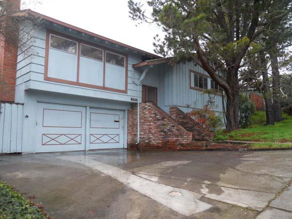 3785 Farm Hill Blvd, Redwood City, CA 94061