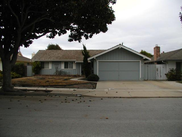 30 Santa Monica Ct, Salinas CA 93901