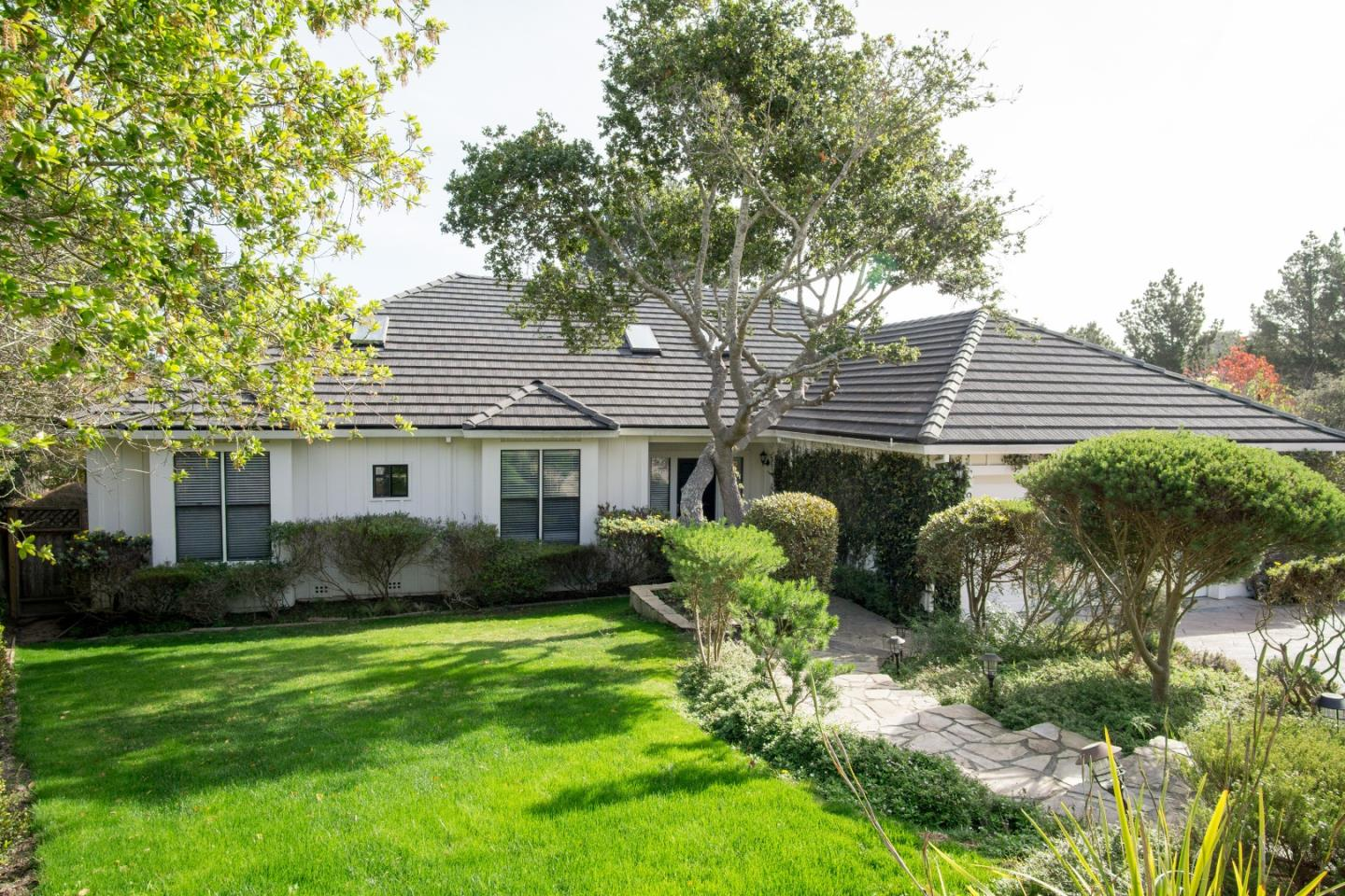 9 Huckleberry Ct, Monterey, CA