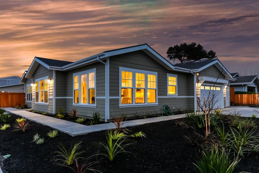 447 Laurel Ave, Half Moon Bay, CA