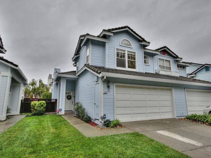 5393 Ridgewood Dr, Fremont, CA