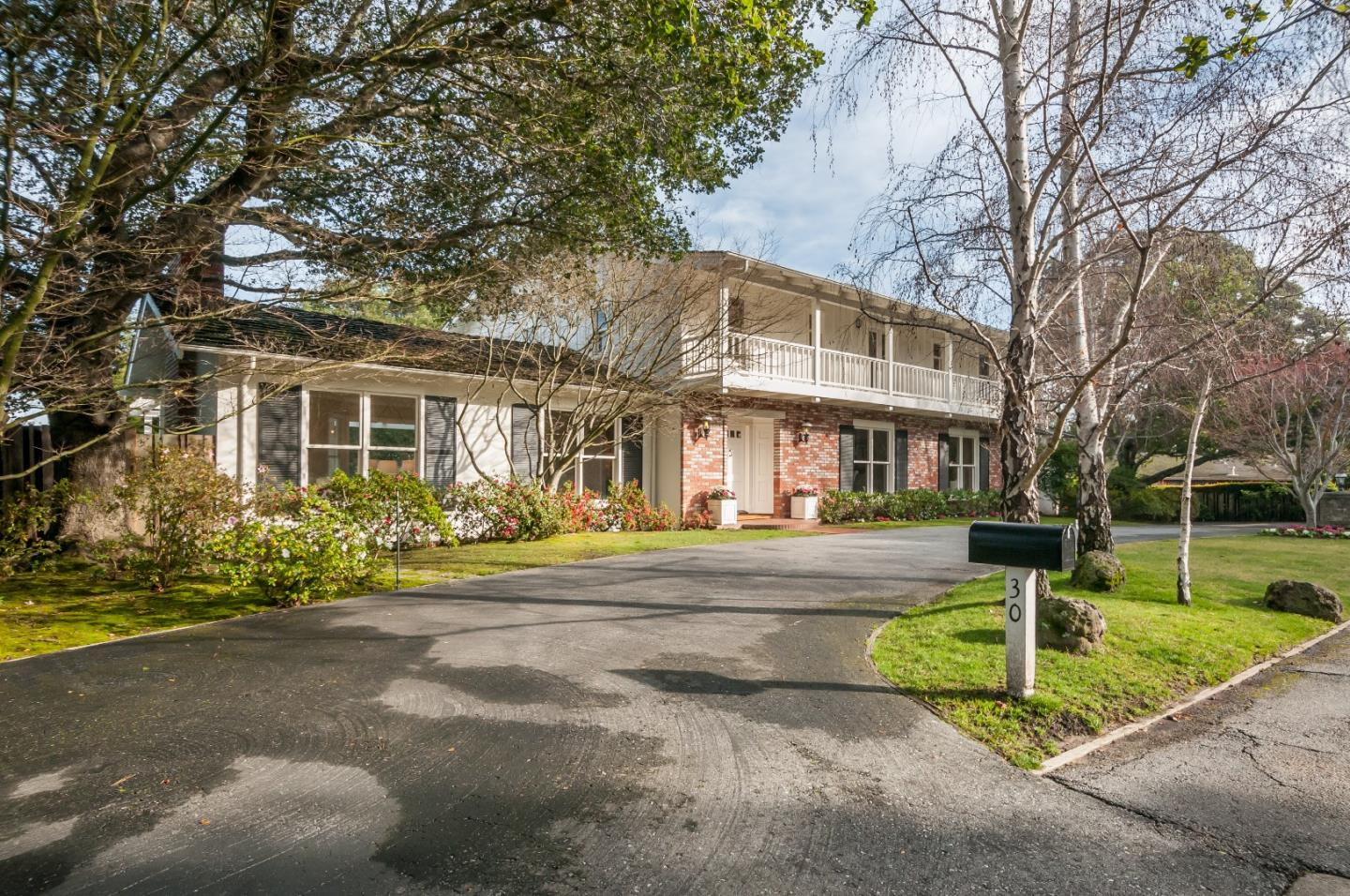 30 Mc Creery Dr, Burlingame, CA