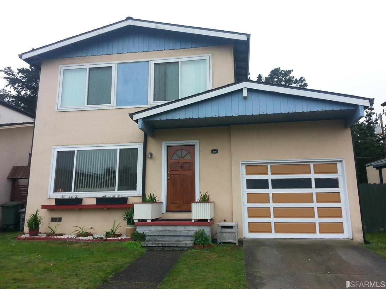 626 Forest Lake Dr, Pacifica, CA