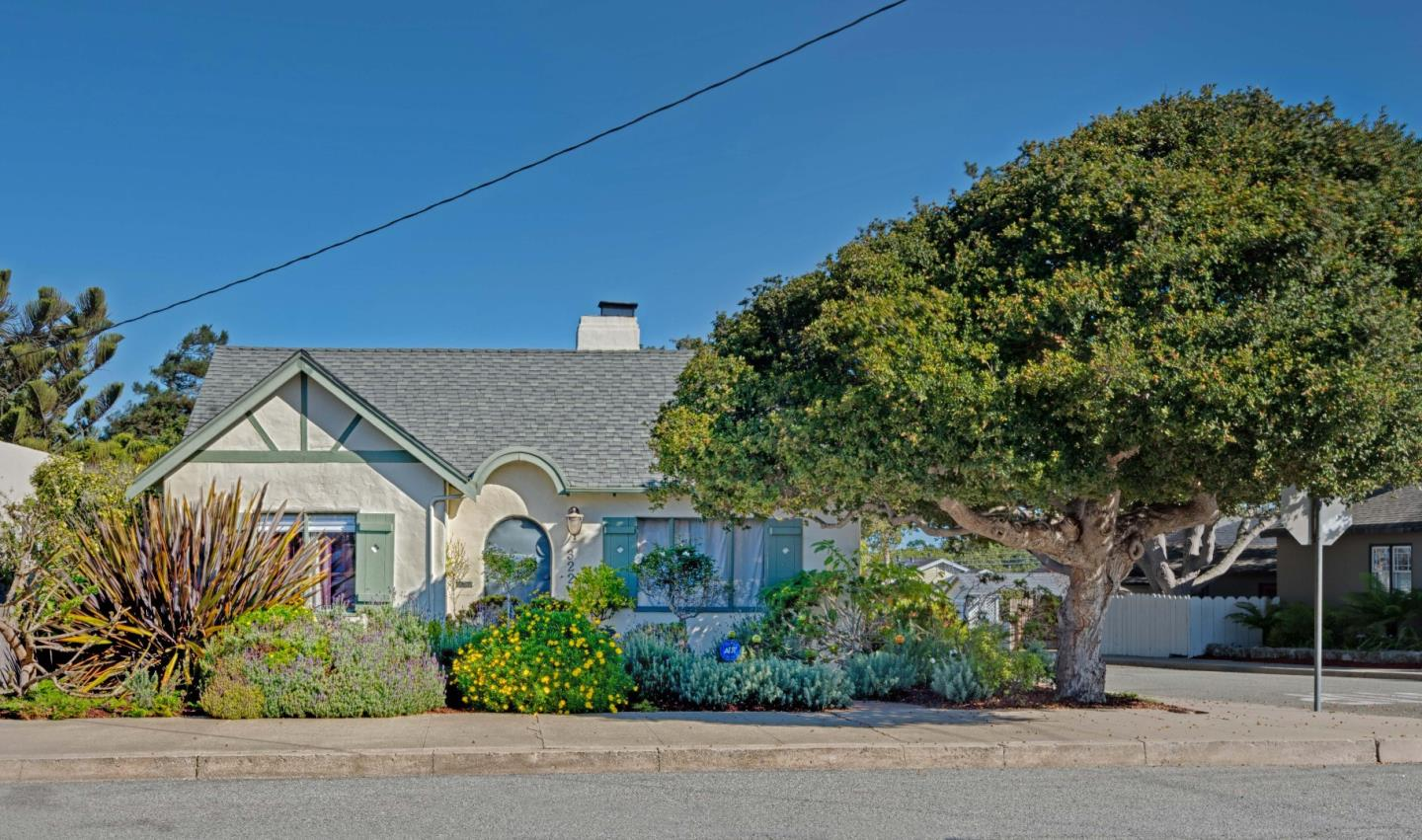 322 Gibson Ave, Pacific Grove, CA
