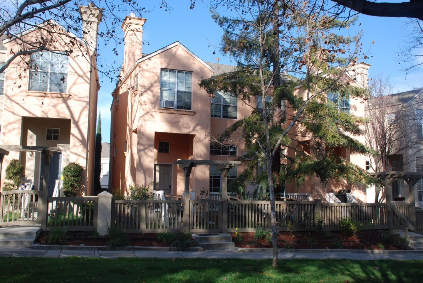 112 Alley Way, Mountain View, CA