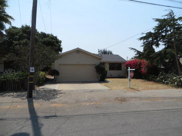 988 Harcourt Ave, Seaside, CA 93955