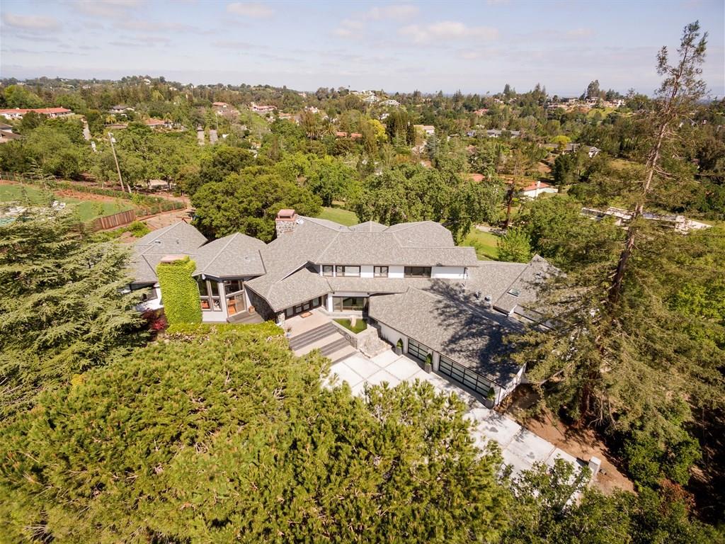 11871 Hilltop Dr, Los Altos, CA