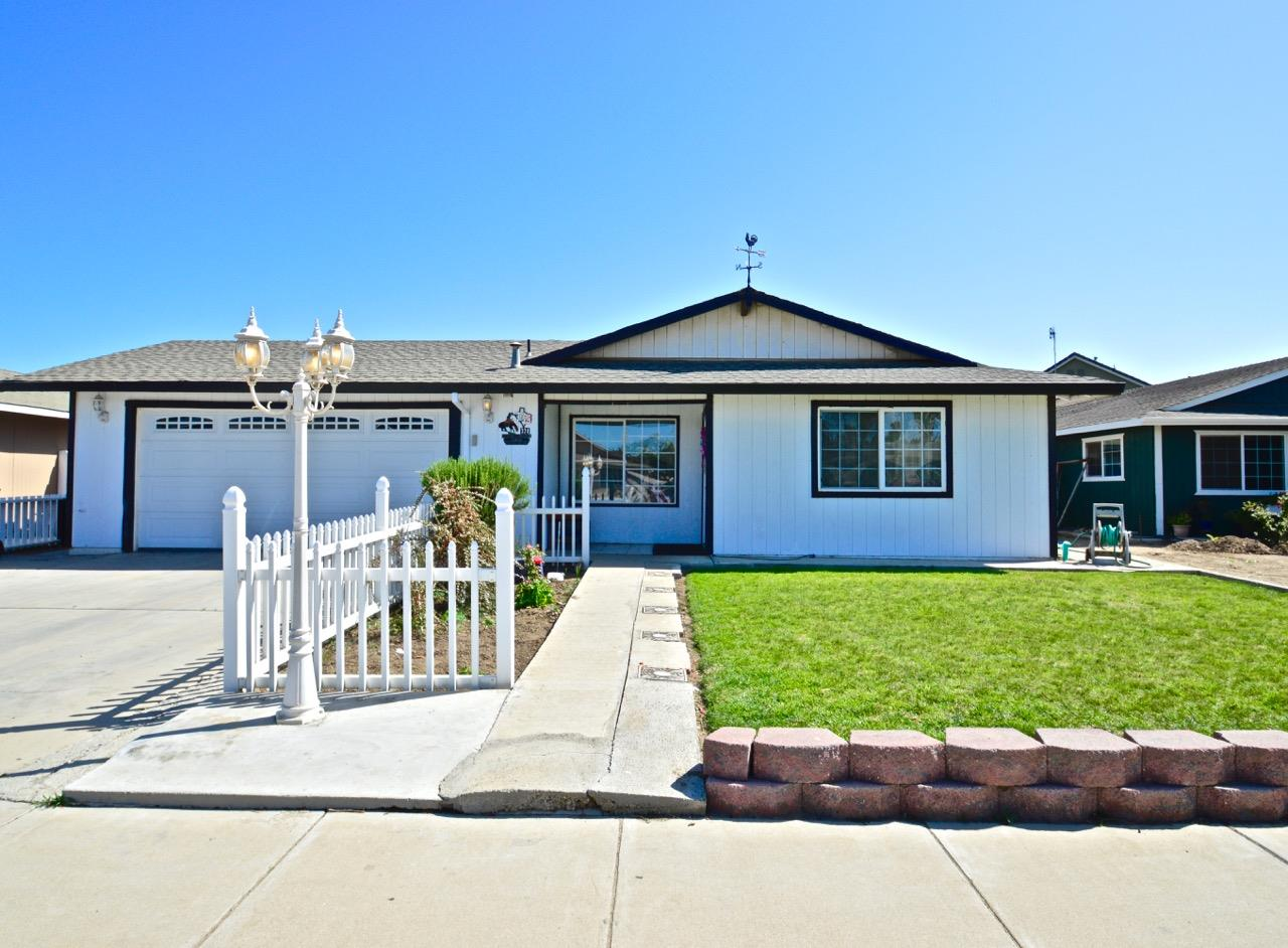324 Pepper Dr, Greenfield, CA