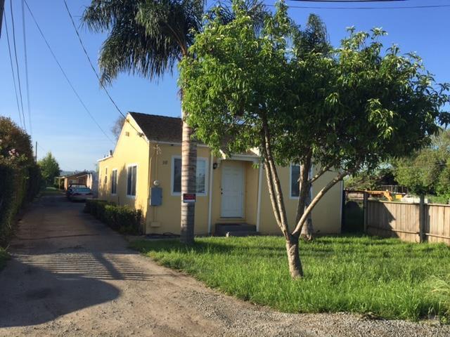 98 Riverside Rd, Watsonville, CA 95076