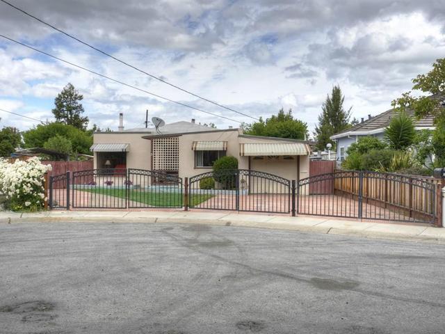 3 Odessa Ct, Redwood City, CA 94063