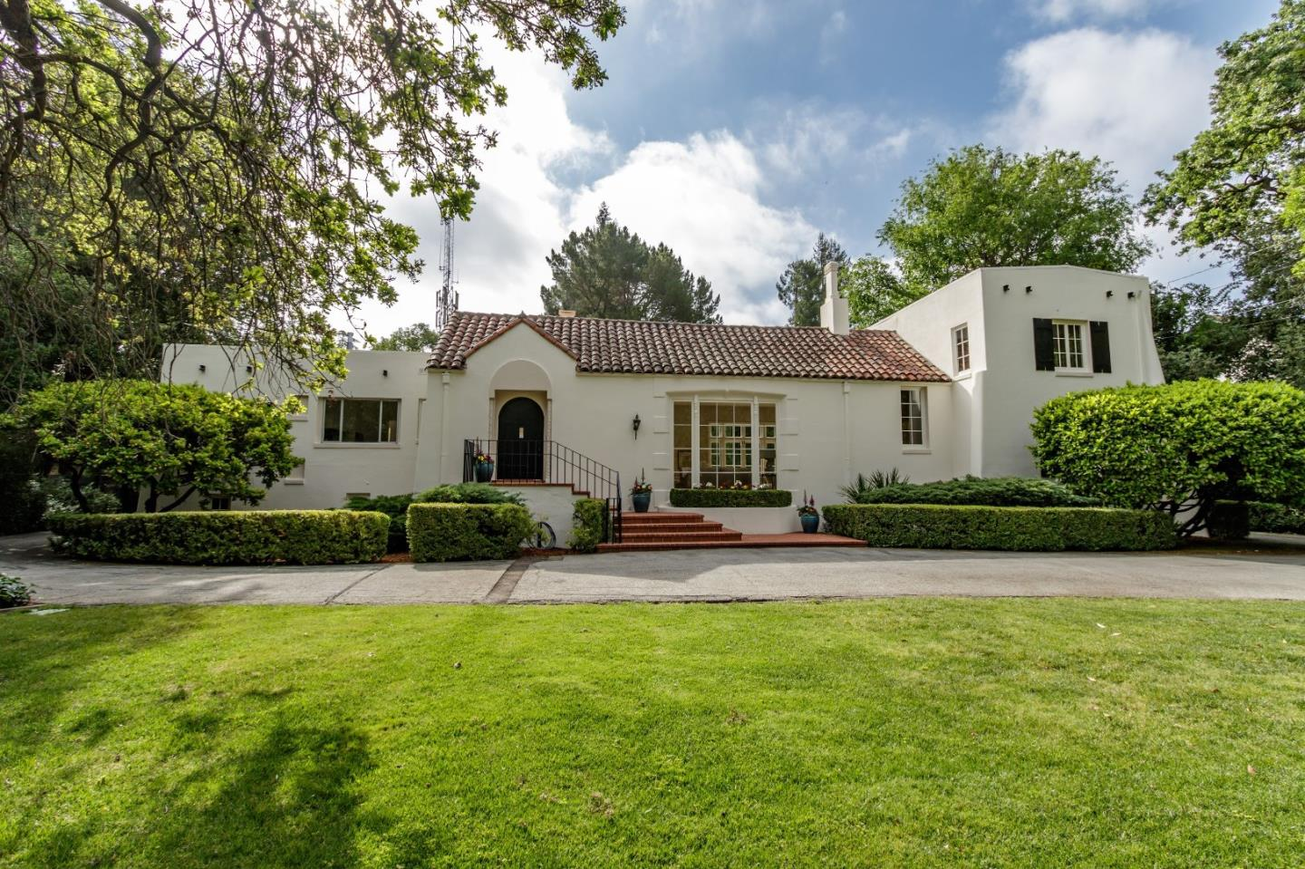 76 Fair Oaks Ln, Atherton, CA