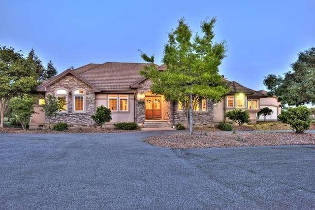 10470 Foothill Ave, Gilroy, CA