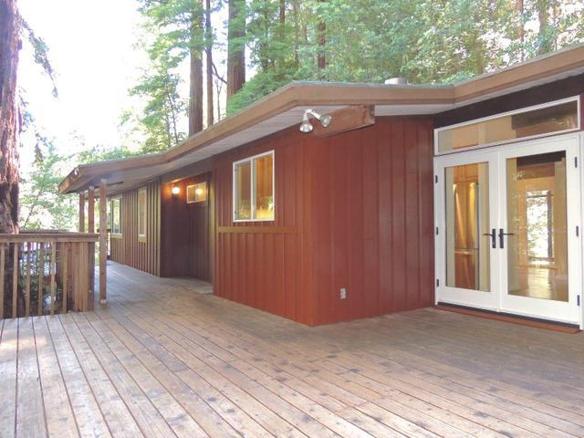 15670 Forest Hill Dr, Boulder Creek, CA 95006