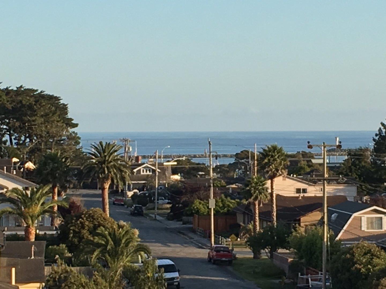 139 Madrona Ave, Half Moon Bay, CA 94019