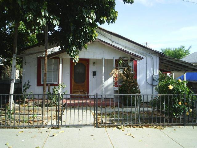 14 Hazel St, Hollister, CA 95023