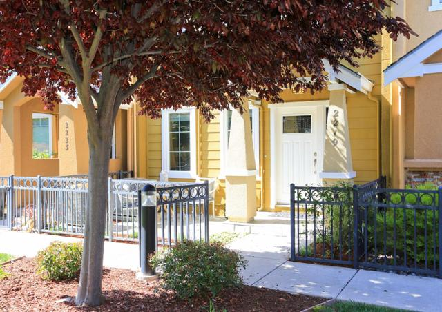 2219 Woodberry Ln, Mountain View CA 94043