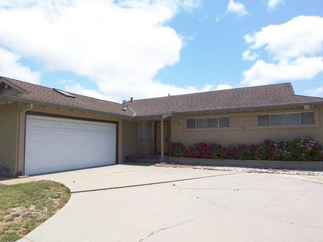 1127 Santa Fe Way Salinas, CA 93901