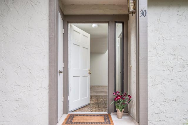 1360 Josselyn Canyon Rd #APT 30, Monterey, CA