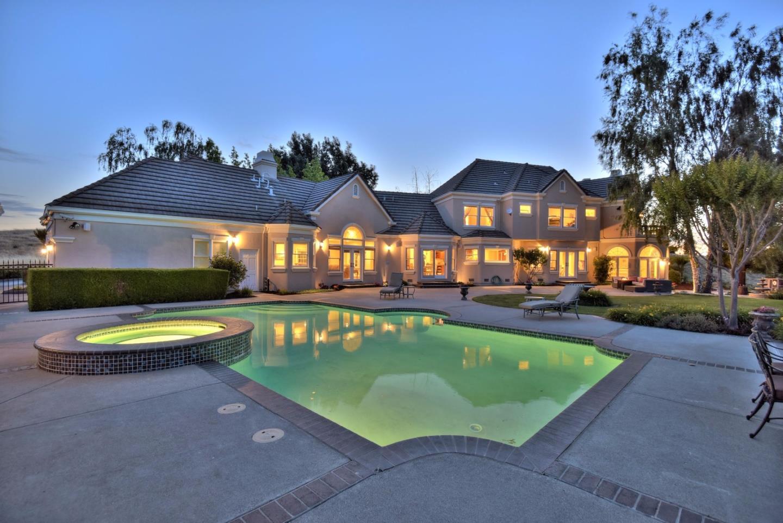 1916 Hayes Lane, San Martin, CA 95046